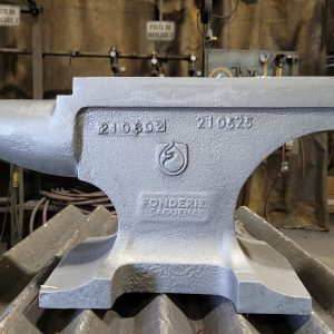 This true blacksmith ductile iron anvil is designed by the Fusium Design team.    Carefully milled and fully polished, it provides an exceptionally smooth work surface perfect for flattening or shaping different types of metals.    Featuring a high hardness flat surface, this ductile iron anvil provides the support and durability you need for your heavy-duty jobs.    The foot of the anvil contains 4 drilling holes allowing a secure and stable mounting to work in complete safety.